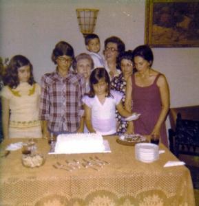 Comemoração tinha que ter bolo da vovó